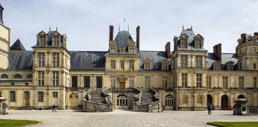 Chateau de Fontainebleau 850-450