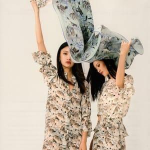 Image mise en avant Pourquoi aujourd'hui, les journalistes sont intéressés par la mode en Chine 300-300