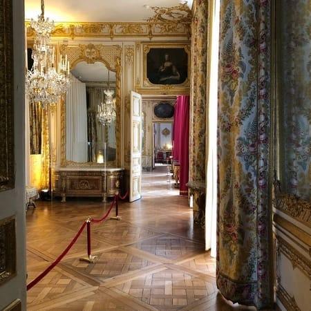 Dans l'intimité des Rois de France 4